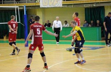 Очередная победа «Локо» ВК Локомотив (Х), ВК Днепр, суперлига, мужчины волейбол, чемпионат Украины