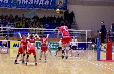Локомотив с большим трудом пробился в четвертьфинал Кубок Вызова, ВК Кальцит, ВК Локомотив (Х), волейбол, мужчины