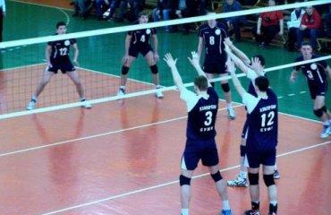Юракадемия на домашнем паркете смогла выиграть лишь одну игру Юракадемия,Химпром-СумДУ,суперлига, волейбол, мужчины