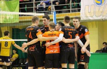 В передостанньому турі Чемпіонату «Кажани» прийматимуть «Хімпром» волейбол, мужчины, суперлига