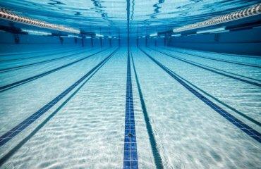 Тренировки в бассейне волейбол, мужчины, тренировки