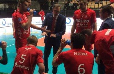 Маасейк бьет Ассе-Ленник в центральном матче бельгийской суперлиги Нолико Масейк, Ассе Ленник, волейбол, мужчины