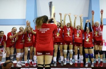 Олимпиакос вписал свое имя в историю выиграв кубок Греции в шестой раз Олимпиакос, АЕК, волейбол, женщины