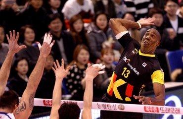 Раш энд Кэш проходит в большой финал Раш  энд Кэш, Самсунг Блю Фангс, волейбол, мужчины