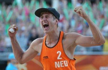 Голландский «пляжник» осуждён за изнасилование несовершеннолетней волейбол, мужчины