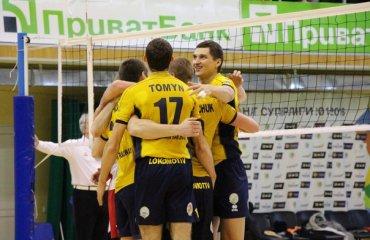 Чемпионат Украины. «Локомотив» уже первый в группе волейбол, мужчины, суперлига, украина