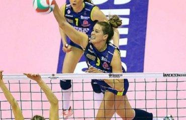 Келси Робинсон возвращается в «Пекин» волейбол, женщины