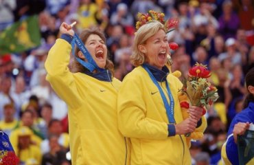 Исторический экскурс — самые первые олимпийские призеры по пляжному волейболу волейбол, женщины, пляжный волейбол, мужчины, олимпиада