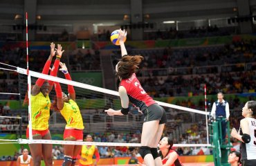 Японские волейболистки победили камерунок на Олимпийских играх в Рио-де-Жанейро сборная Японии