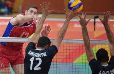 Российские волейболисты победили иранцев в заключительном матче группового этапа ОИ сборная России