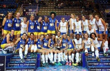"""""""Синие звезды"""" выиграли у команды """"Белые звезды"""" в Матче Звезд итальянской женской суперлиги женский волейбол, Матч Звезд"""