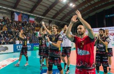 """Болельщики """"Перуджи"""" проведут акцию протеста против повышения цен на билеты волейбол, мужчины, италия, серия а1"""