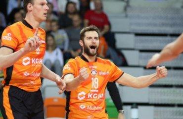 """Игроки """"Любина"""" и """"Щецина"""" дважды доигрывали третий сет со счёта 20:10 волейбол, мужчины, польша, плюс лига, ошибка"""