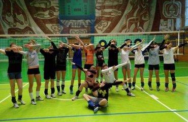 Жiноча збірна України U-17 вiдправиться до Польщi волейбол, юноши, девушки, eevza, евза, результаты, украины, сборная, польша