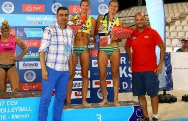 Ирина и Инна Махно завоевали бронзовые награды на турнире в Турции (ФОТО+ВИДЕО) пляжный волейбол, сателлит мерсин, ирина и инна махно бронзы результаты фото видео матчей, интервью
