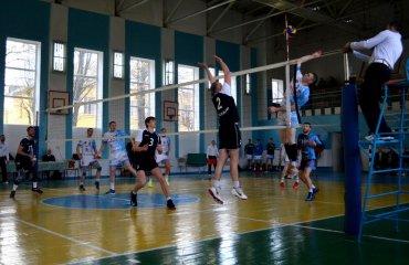 "Вища ліга (чоловіки). Три новачки та ""Фаворит"" мужской волейбол, высшая лига украины, учасники, фаорвит лубни,сумы, булава"