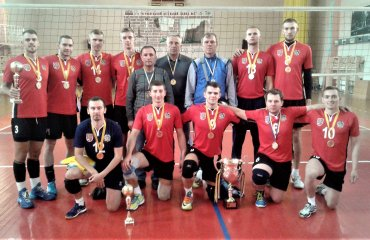 Житомирські волейболісти виграли турнір у Чернівцях мужской волейбол, турнир в черновцах, житомир, винница экодом серце поділля, мхп-вінниця