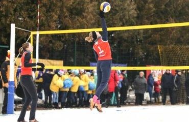 Борисенко\Довгопол перемогли у першому матчі чемпіонату Європи з волейболу на снігу волейбол на снегу, волейбол на снігу, чемпіонат європи-2018, австрія, українські волейболісти, олена борисенко, ольга довгопол, результати, груповий етап