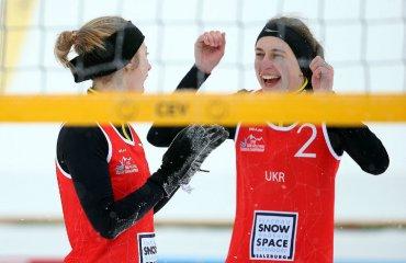 Борисенко\Довгопол вийшли у плей-офф чемпіонату Європи з волейболу на снігу волейбол на снегу, волейбол на снігу, олена борисенко, ольга довгопол, чемпіонат європи-2018, результати, плей-офф, австрія