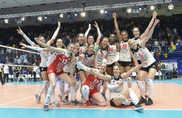 """Румынский """"Альба Блаж"""" стал вторым финалистом ЛЧ-2018 женский волейбол. лига чемпионов-2018, финал четырёх, альба блаж победил галатасарай турция, результаты матча фото"""