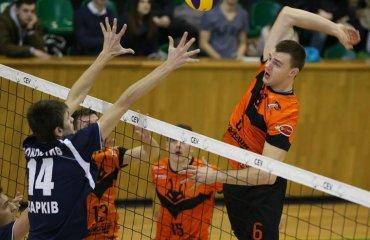 Украинский блокирующий Грюк продолжит карьеру в Чехии мужской волейбол, александр грюк, бенатки чехия, трансфер, украиснкий волейболист, локомотив харьков, барком кажаны