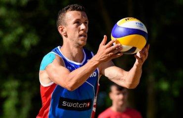 Не удивляйтесь, что Перишич сыграл рукой. Он рубится в пляжный волейбол мужской волейбол, пляжный волейбол, иван перишич, сборная хорватии по футболу
