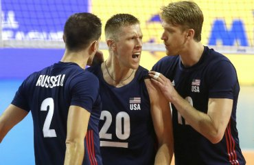 В сборной США играет почти глухой волейболист. Его выручает чтение по губам чоловічий волейбол, чемпионат мира-2018, девид смит, мужской волейбол