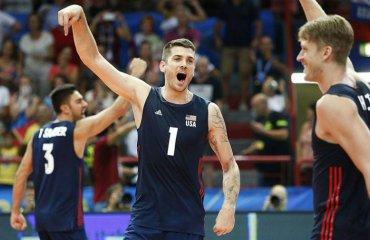 Андерсон, Акінрадево та Робінсон визнані гравцями року в США чоловічий волейбол, жіночий волейбол, сша. американські волейболісти, метт андерсон, фолюке акінрадево, келсі робінчон. джейк гібб