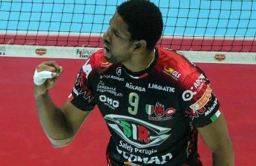 Леон взял первый трофей в Италии. Со сломанным пальцем мужской волейбол, серия а1, италия, кубок италии, вильфдеро леон, перуджа, лубе чивитанова
