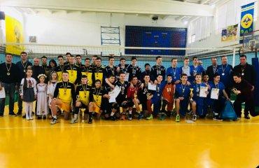 """У """"Дитячій лізі"""" визначилася краща команда серед юнаків 2004 р.н. дитячий волейбол, дитяча ліга, чемпіонат україни, переможець 2004 р.н. юнаки"""