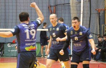 """Хмельницький """"Новатор"""" прощається з елітним дивізіоном чоловічий волейбол, суперліга україни 2018\19, 7-8 місця, результати, швсм-сумду суми, новатор хмельницький, вища ліга"""