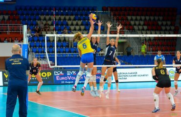 Нападниця збірної України Денисова переїжджає до Чехії жіночий волейбол, чемпіонат чехії, прага, карина денисова, трансфер, українська волейболістка, збірна україни