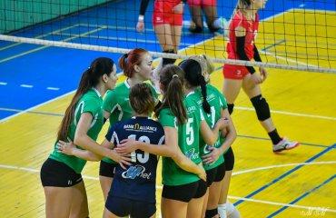 """Вища ліга (жінки). 4-й тур. """"Легенда-WNET"""" повертає лідерство жіночий волейбол, вища ліга україни 2019-2020, легенда київ"""