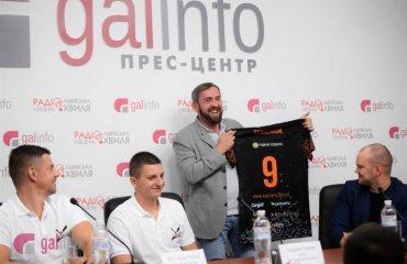"""Олег БАРАН: """"Щоб клуб продовжував прогресувати, нам потрібно більше конкуренції"""" чоловічий волейбол, барком-кажани, олег баран, інтервью, чемпіонат україни, чемпіонат польщі, плюсліга"""