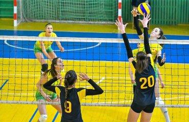 """Вища ліга (жінки). 1-й тур. """"Обмін люб'язностями"""" у Харкові жіночий волейбол, вища ліга україни, сезон 2020-2021, перший тур, харків, огляд матчів"""