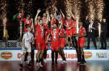 """""""Чивітанова"""" завоювала Кубок Італії-2021 чоловічий волейбол, кубок італії 2020, чивітанова, симон, перуджа, олег плотницький, відео матчів, результати"""