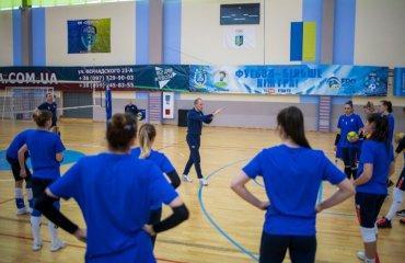 Жіноча збірна України розпочала тренувальний збір у Слобожанському жіночий волейбол, збірна україни, новий тренер, володмир орлов, чемпіонат європи, золота євроліга, тренувальні збори, склад команди