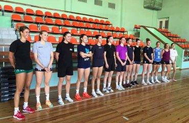 """Волейболістки """"Орбіти-ЗНУ-ЗОДЮСШ"""" вийшли з відпустки жіночий волейбол, суперліга України 2021-2022, чемпіонат україни, орбіта, запоріжжя, підготовка до сезону, гарій єгіазаров, інтерв'ю"""