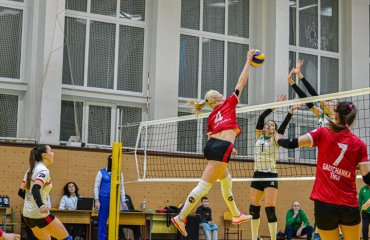 """Блокуюча Лозінська повернулася у """"Галичанку"""" жіночий волейбол, суперліга україни 2021-2022, чемпіонат україни 2021-2022, трансфер, український волейбол, марія лозінська, галичанка тернопіль, житомир полісся-швсм"""