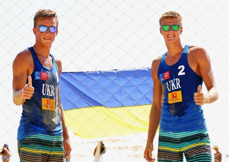 Підтримаємо волейболіста Олега Плотницького у боротьбі за звання найкращого юніора України