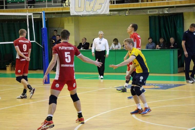 «Локомотив» дважды обыграл «Химпром»