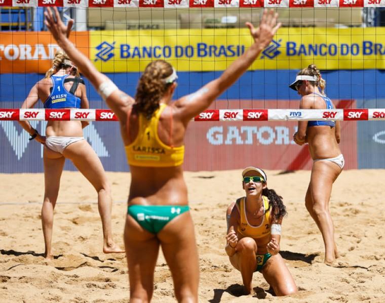 Бразильские пары Ларисса/ Талита и Алисон/Бруно выиграли турнир по пляжному волейболу в Витории