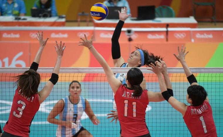 Волейболистки сборной Японии победили команду Аргентины в матче Олимпиады в Рио