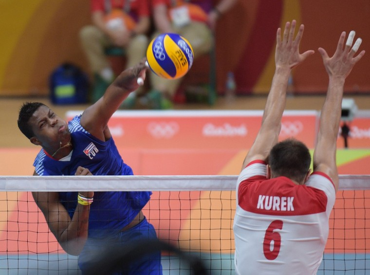 Сборная Польши по волейболу обыграла Кубу и обошла Россию в группе В на ОИ
