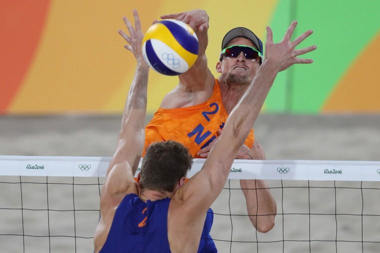 Броуэр и Мююсен стали полуфиналистами ОИ-2016 в пляжном волейболе
