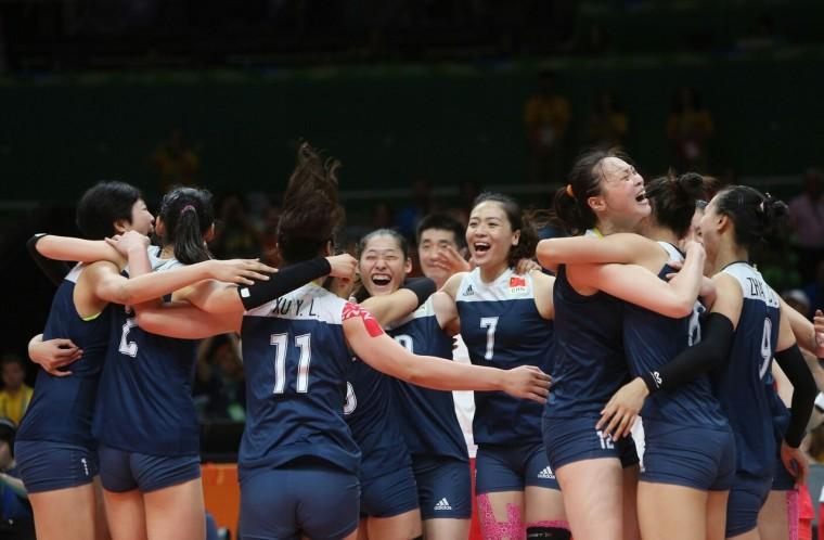 Волейболистки сборной Китая победили команду Нидерландов в полуфинале Олимпиады