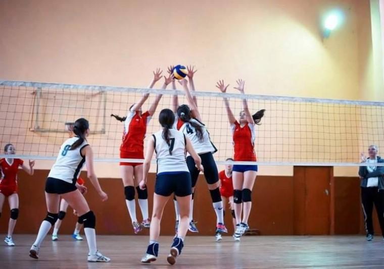 Дитячий волейбол Вперше в історії дитячого волейболу України