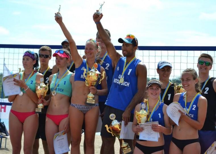 Церемонія нагородженяя Завершився 1-ий тур чемпіонату України з пляжного волейболу (ФОТО+ВІДЕО)