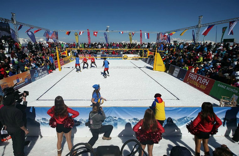 Українці посіли 9 та 17 місце на I чемпіонаті Європи з волейболу на снігу