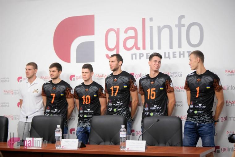 Барком-Кажани Чемпіон України 2017\18 презентував оновлений склад команди та нову форму (ФОТО+ВІДЕО)